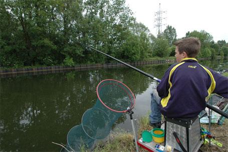 Initiation à la pêche sur le canal - Pêche en Fête 2006 Ath