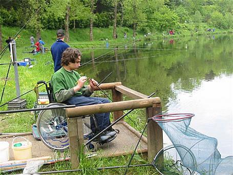 Ponton pour moins-valides Pêche en Fête 2006 - Habay-la-Neuve