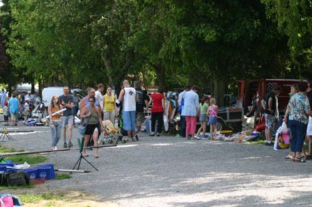 Brocante organisée à Tubize aux étangs de Coeurcq lors de Pêche en fête 2010