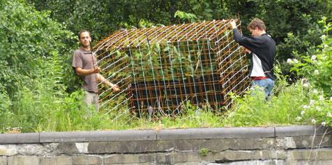 Installation des cages refuges en Basse Meuse liégeoise
